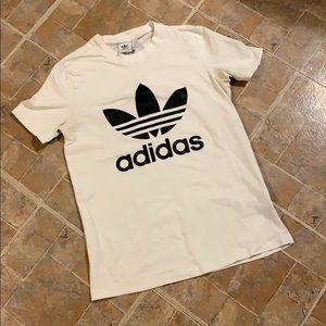 Adidas short sleeve t-shirt size women's small